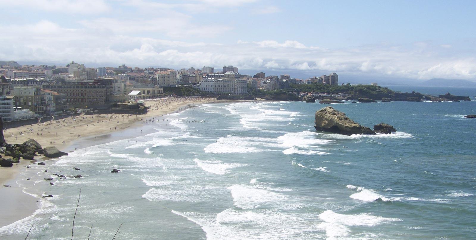 la proximité des habitations et de la plage à Biarritz - ancorim