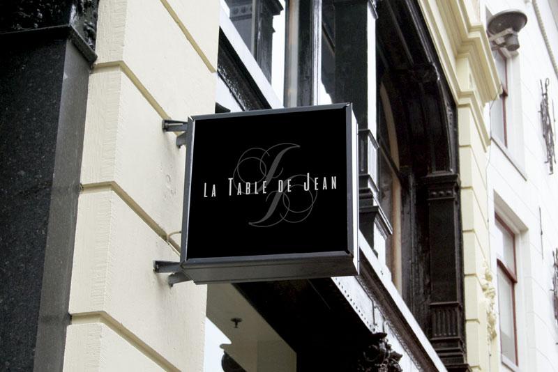 enseigne du restaurant La table de Jean pour la série télévisée Mongeville passant France3